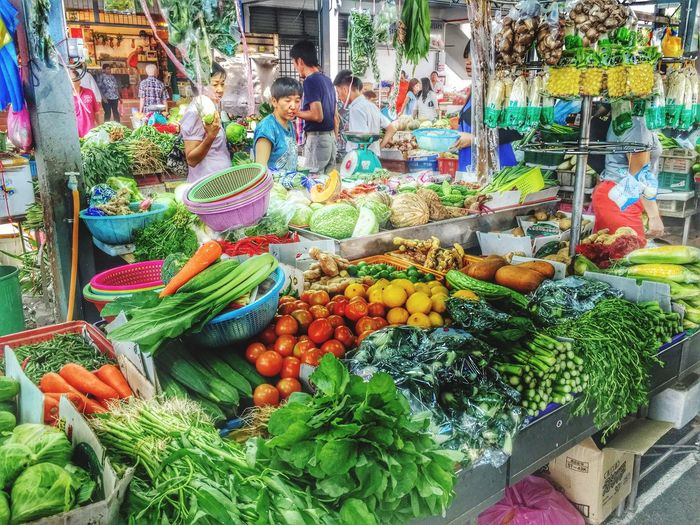 IPS2016Composition Wet Market Colourful Vegetables People Watching Local Street Stall Tropical Vegetables Green Tropical Market Grocery Shopping