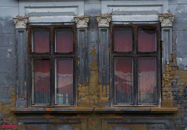 I try to find your window Architecture Building Exterior Built Structure House Nikonphotography No People Old Old House Pattern Red Red Details Windows