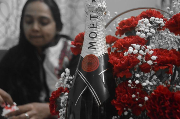 Indoors  Red Nikonphotography Capture The Moment Capturing Life NikonD5100 Drinks Champagne Nikon From My Point Of View Celebration Lovetotakepics Crazy Moments Selective Focus Selective Color Natural Beauty Capturingeverymoment Moetetchandon