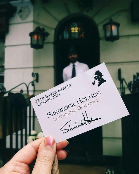 I am Sherlocked ! Sherlock Sherlockholmes Sherlockholmesmuseum Museum 221bbakerstreet Bakerstreet Business Card Holding A Card Holding Something Consultingdetective London Policeman Vacation Holiday