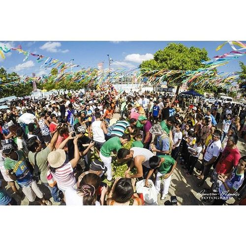 E começou o Sairé 2015 Vemcurtirosaire2015 Vemcurtiroçaire2015 Partiubrasil Embratur Meubempara Saire2015 çaire2015 Santarém Nikon Demersonmendesfotografia Turismo Alterdochao Fotografia Amazonia Festa Tradição Cultura