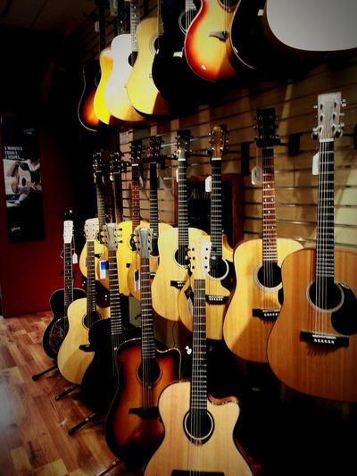Guitar center. Eyeem JuliasGallery Eyeem Music EyeEm Music Lover Eyeem Guitar Eyeem Singing