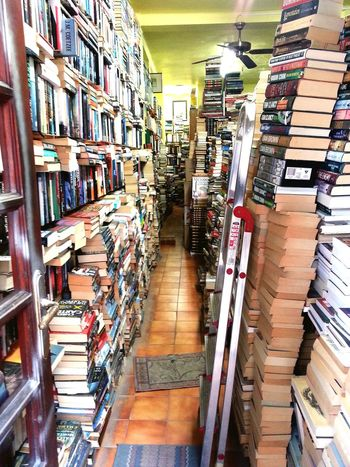 Hello World Check This Out Taking Photos Relaxing Fotography Hanging Out Eyem Artist Smart Simplicity Smartphone Photography Spain, Andalucia Open Edit For Everyone Open Edit Warum Nicht Einfach So? Cheese! Dreamer Looking To The Other Side Love Books World Books Second Hand Bookstore