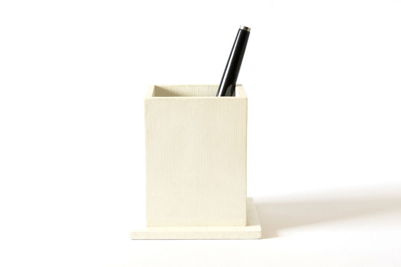 Pens holder Blank Brush Close-up Copy Space Cut Out Drink Drinking Straw Focus On Foreground Food Food And Drink Indoors  No People Pen Simplicity Single Object Still Life Straw Studio Shot Two Objects White Background White Color