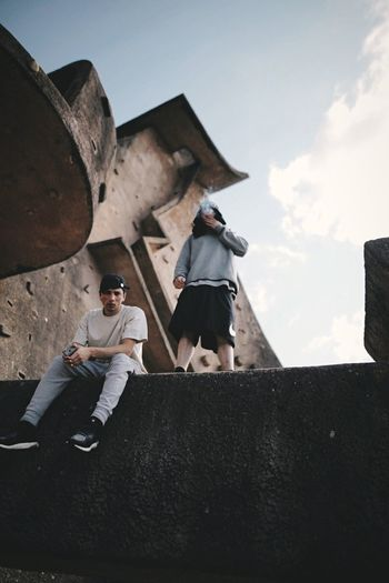 The Motus duo. Hello World EyeEm Best Shots Urban Vscocam Exploring VSCO Open Edit OpenEdit Check This Out Streetphotography France Freerunning Parkour Lisses EyeEm Colours Street Photography Explore Brutalism Taking Pictures People Fashion Hanging Out Enjoying Life