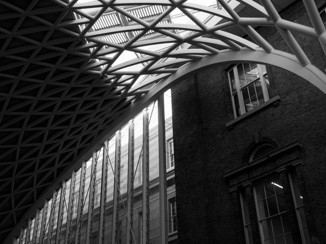 The Modern Roof in King's Cross Architecture King's Cross, St Pancras International Roof Curves And Lines Day Indoors  Light And Shadow No People