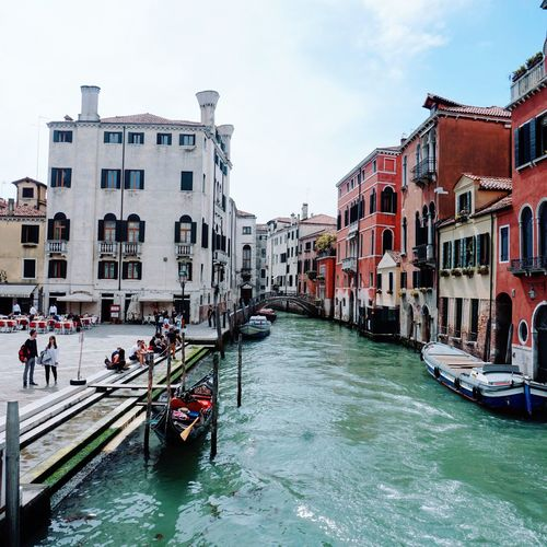 Architecture Canal Building Exterior Large Group Of People Built Structure Gondola - Traditional Boat Transportation Nautical Vessel Sky Travel Destinations Water Day Outdoors Vacations Real People People Adult Adults Only Venice Canals Venice, Italy Venice Italy Venice View Venice Gondola Scenic Traveling The Traveler - 2018 EyeEm Awards