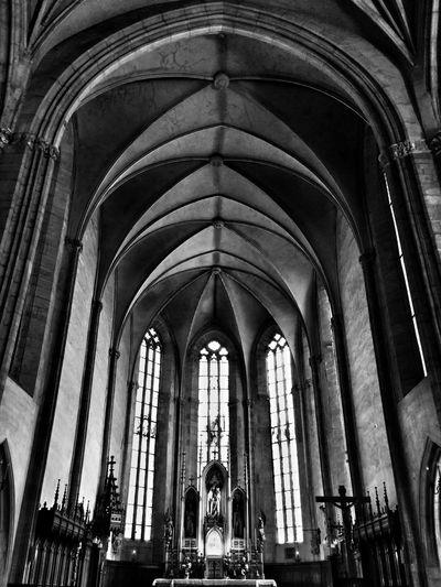 Kolozsvár Cluj-Napoca Cluj Clujnapoca Szentmihalytemplom LGg3photography Mobilephotography Bnw Bnw_captures Church Cathedral Arch God