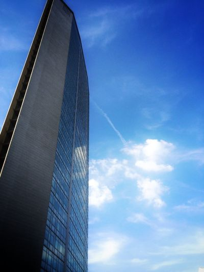 Architecture Building Urban Geometry Clouds And Sky riflessi