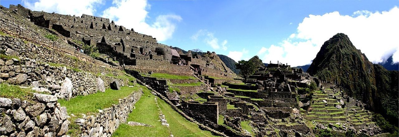 Perú ❤ Machu Picchu Peru Traveling Panoramic Photography Architecture_collection Blue Sky Heritage Building Panorama With 8 Pictures Heritage Cusco, Peru Travel Photography Travel Destinations Best Moments Houses And Sky Check This Out Scenics Outdoors Sunset #sun #clouds #skylovers #sky #nature #beautifulinnature #naturalbeauty #photography #landscape Sunset_collection Tree_collection