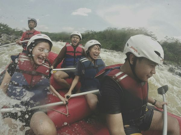 Let's get wet! Rafting Adventures Enjoying Life Journey Moment INDONESIA Enjoying Life With Friends Getting Wet Jarambahjourney