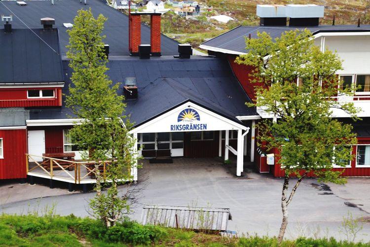 Riksgränsen  Hotell Sverigebilder Sommar I Fjällen Norrland Fjäll Natur Sweden North Hotel Lappland Lappland Lapplandhotel Skidlift Sommarsverige Sommar I Lappland Norra Sverige Hotell Riksgränsen