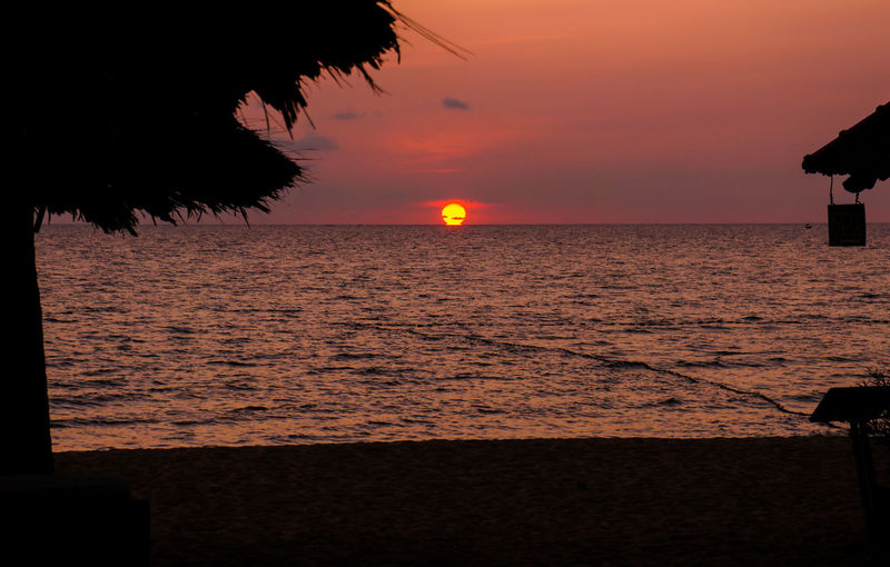 Quiet Moments Vietnam Beach Beauty In Nature Horizon Over Water Nature No People Orange Color Outdoors Phu Quoc Scenics Sea Silhouette Sky Sun Sundown Sunset Tranquil Scene Tranquility Water