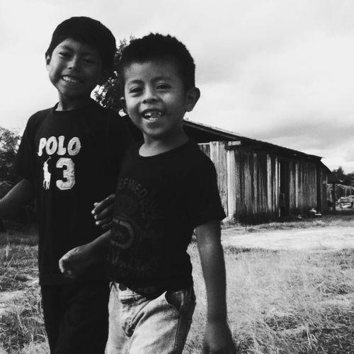 Kids. Everyday Joy Mobilephotography Streetphoto_bw Blackandwhite