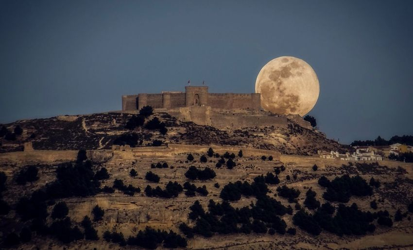 Architecture History Built Structure Sky The Past Night Building Exterior Nature No People Ancient Old Ruin Moon Scenics - Nature Tourism Astronomy