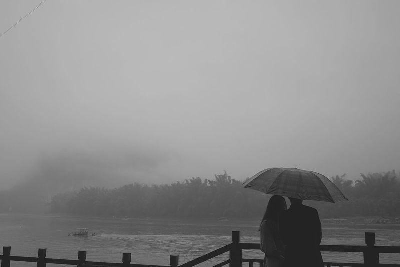 Rain Real People Couples❤❤❤ Water Outdoors Nature Sky Day Fog One Person Beauty In Nature People