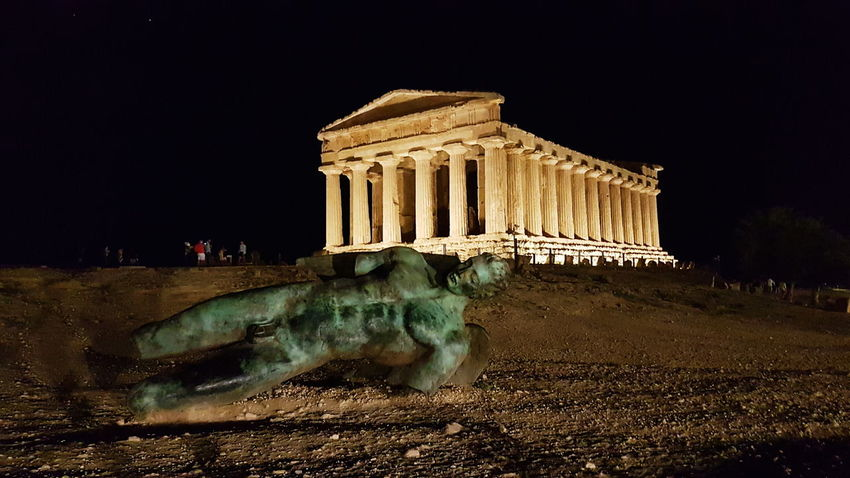 Greek Architecture Sicily Valle Dei Templi Agrigento Nightwatch Nofilter Stolen Moments Travelling The Way Forward No Filters Or Effects Moments My Point Of View Travel Photography Capture The Moment Moments Of Life Great View Greatlight Aroundtheworld