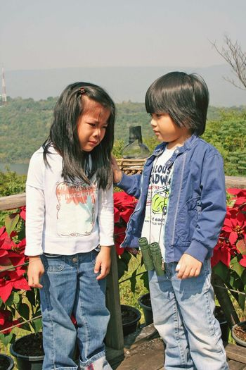 Two People Child Togetherness Outdoors Day Childhood Standing Friendship Children Only Sky Nature Sadness😢 Thai Kid Thai Children EyeEmNewHere