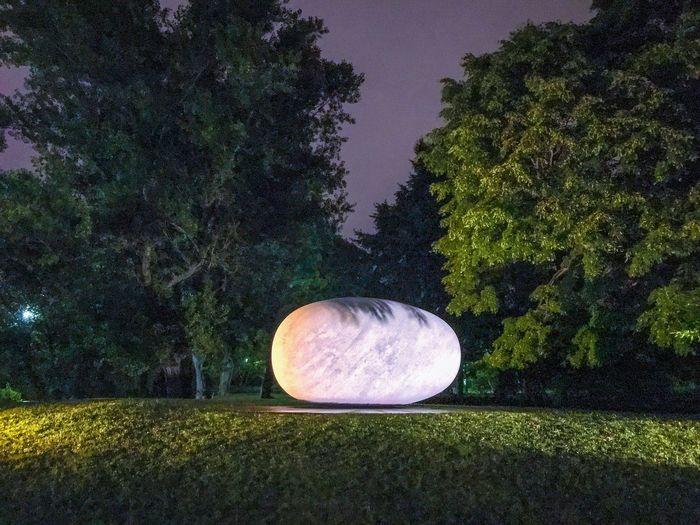 森の中の小惑星のようなオブジェ Sapporo Installation Art Sculpture 中島公園