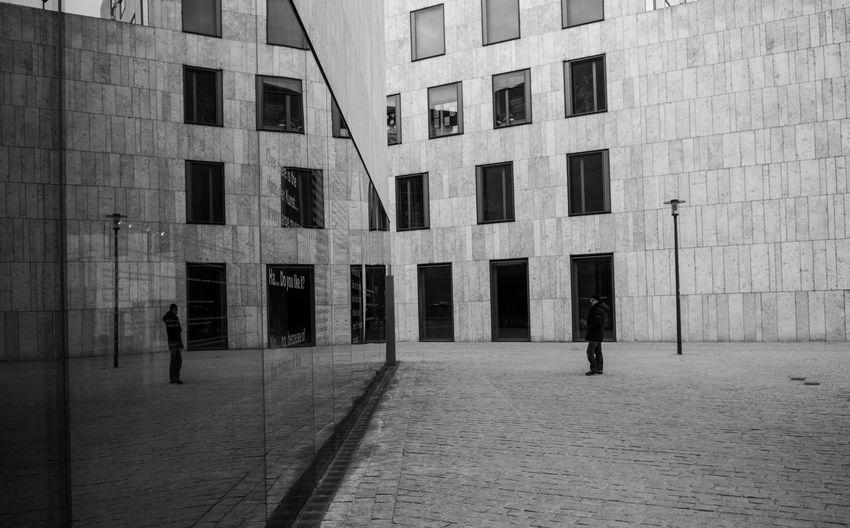 münchner ansichten München Munich Bavaria One Person Mirrored Architecture Streetphotography Modern Architecture Glass Jewish District