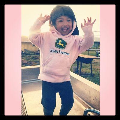 """Daddy raise the roof!"" Bawahahahaha! @choch00 @raynebows07 Alaina33013 Daddysgirl Kanakamaoli Dancemachine"