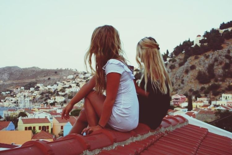 on the top of the roof , with oreos, coke and a best friend Symir Grece