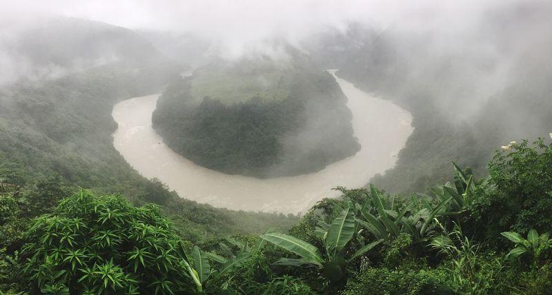 果果塘大转弯 Yarlung Zangbo River 雅鲁藏布江 Tibet Outdoors Outdoor Photography From My Point Of View Beauty In Nature Hanging Out IPhoneography A Bird's Eye View