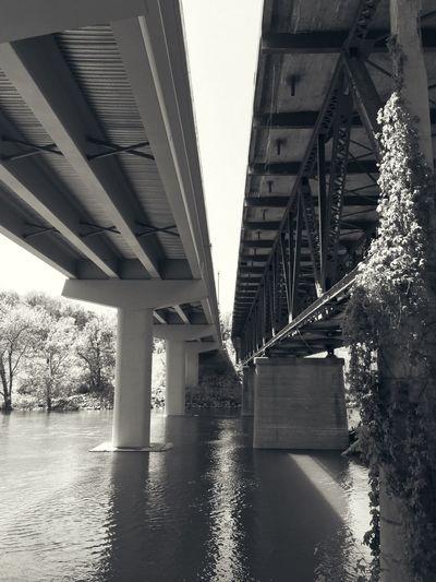 Blackandwhite Bridge Underneath Water