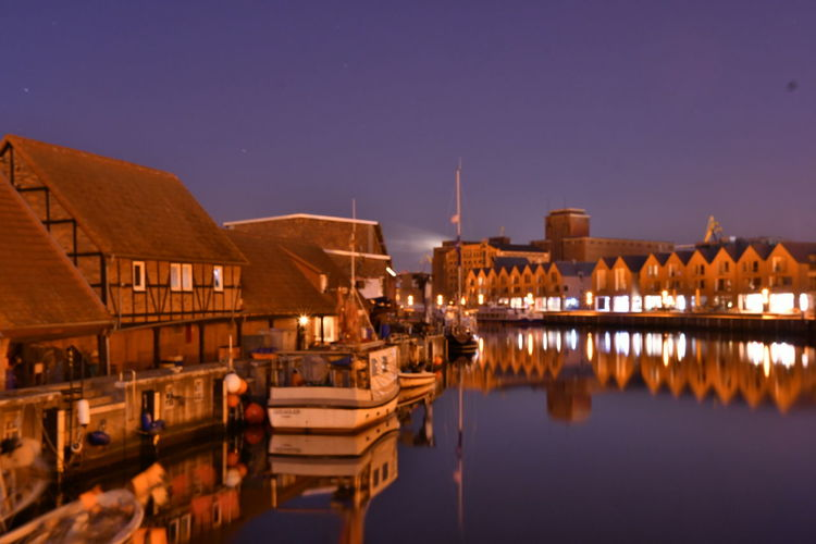 Zu Besuch in Wismar Wismar Wismar Harbor Harbour View Langzeitbelichtung Long Exposure Long Exposure Night Photography Reflection Water Illuminated Architecture Sky Built Structure Building Exterior Night Building Nature Dusk No People Clear Sky Waterfront Copy Space Travel Destinations River Blue City
