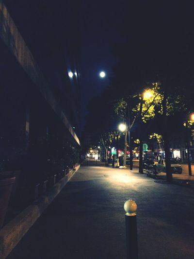 On The Road Pleine lune sur Paris