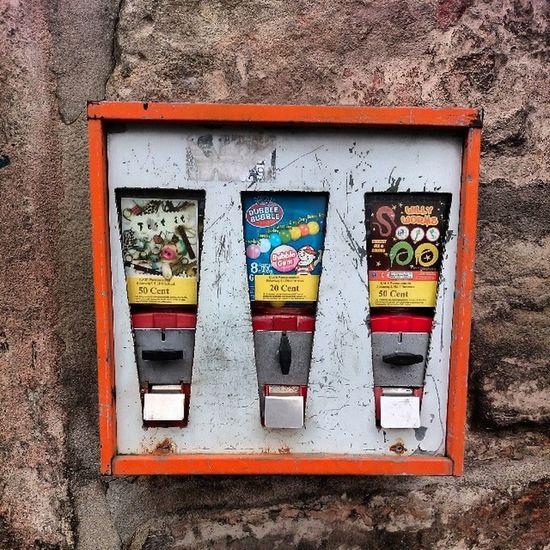 Follow @kaugumminews Http://www.kaugummiautom.at Kaugummiautomat Gumballmachine