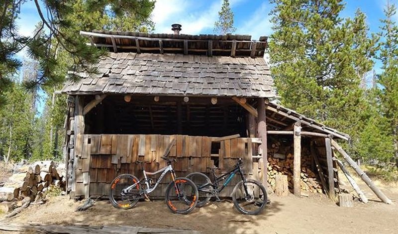 Swampy Lakes Shelter. Another great employee ride. Inbend Bendcyclery Konabikes Knolly MTB