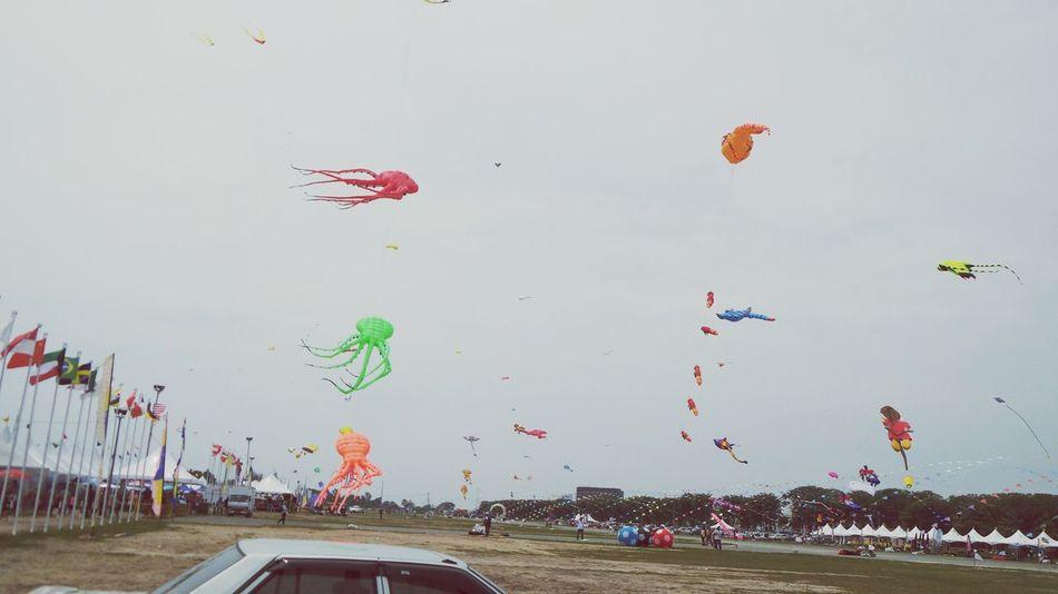 Kites Borneo Inyernational Kite Festival