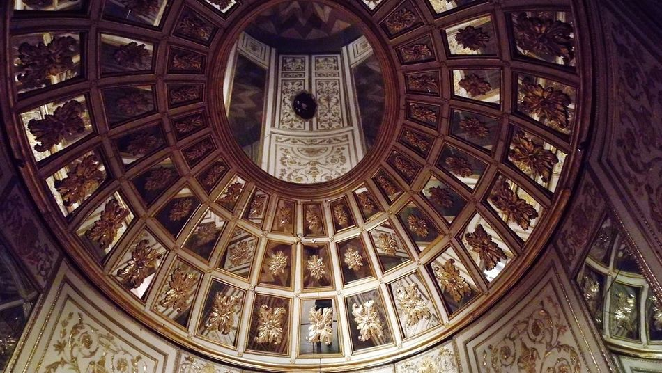 Musuem London Museum Interiors Travel Destinations Vacations No People Ceiling Architecture Pattern Indoors  History Built Structure
