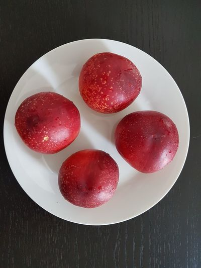 Red No People Indoors  High Angle View Close-up Food Freshness Day Fruit Fruits Nectarines Ready-to-eat Nectarine Freshness Sweet Food Studio Shot Food And Drink Red Indoors