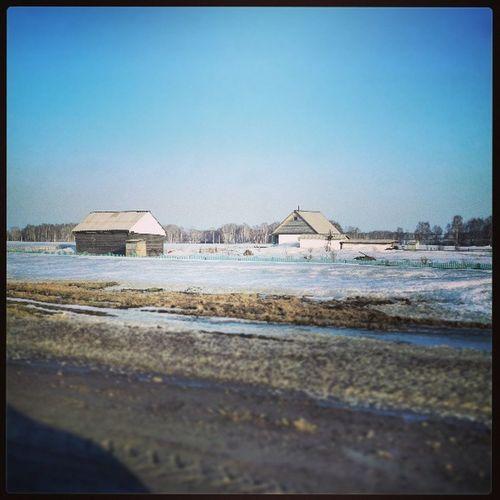 А в Демьяновке снег