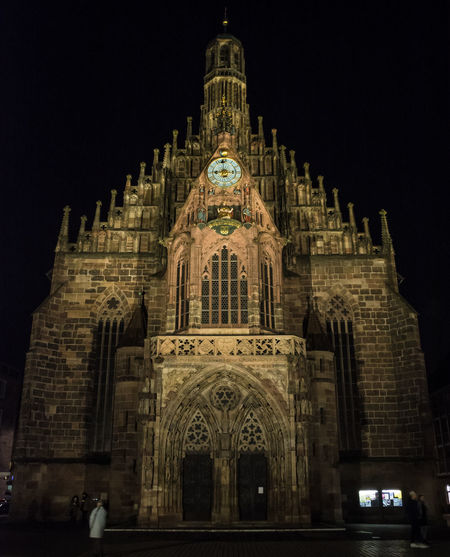 Frauenkirche at night Frauenkirche Nürnberg Ancient Civilization Architecture Building Exterior Built Structure Façade History Illuminated Low Angle View Medieval Medieval Architecture Night No People Outdoors Place Of Worship Religion Sky Spirituality Tourism Travel Travel Destinations