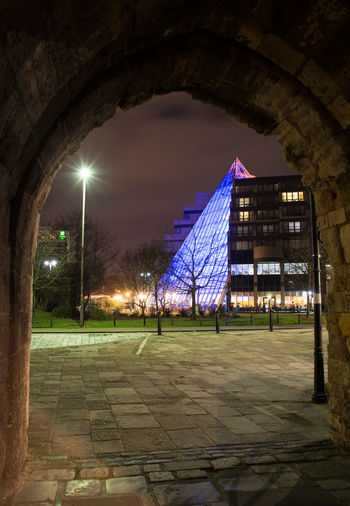 Arch Arched Architecture Building Exterior Built Structure DE VERE Electric Light Footpath Hotel Illuminated Light Beam Lighting Equipment Night Outdoors Pyrimid SOUTHAMPTON CITY