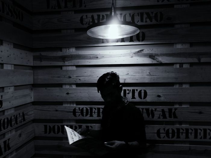 Reading in the light of lamp Enjoying Life PhonePhotography Bnw Photography Reading A Book Taken On Mobile Device Awesomebnw Samsungs4photography SamsungS4 First Eyeem Photo Blackandwhite VSCO Coffeeshop Marketeers New Talent