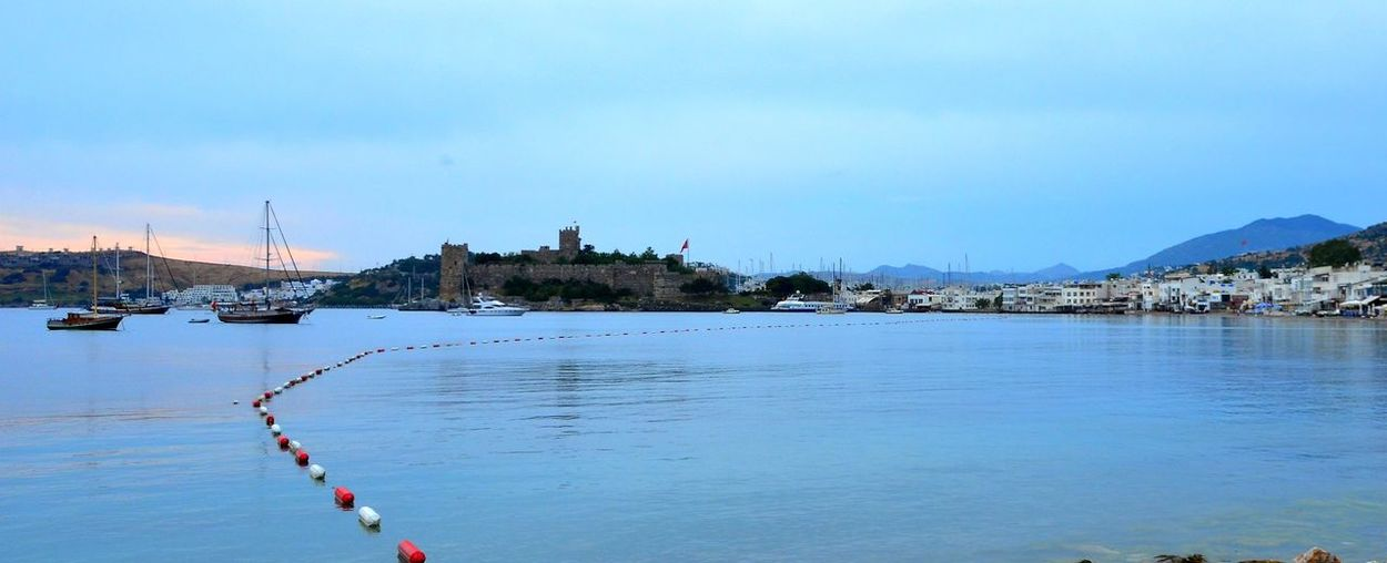 Bodrum ve Ege Denizi Agean Sea Türkiye Bodrum Castle Bodrum, Turkey Holiday Bodrum #holiday #sailing Bodrum Kalesi History Nature Sea Sea And Sky EyeEmNewHere