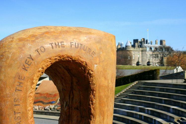 Architecture Castle Inscription Key To The Future S Steps Future Sculpture Edinburgh Edinburgh HollyroodHouse