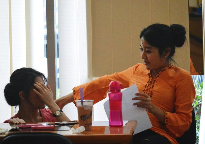 After office hours.... Portrait Customerservice BankMega Kartini's Day Small Talk Candid Photography Candid Officelife