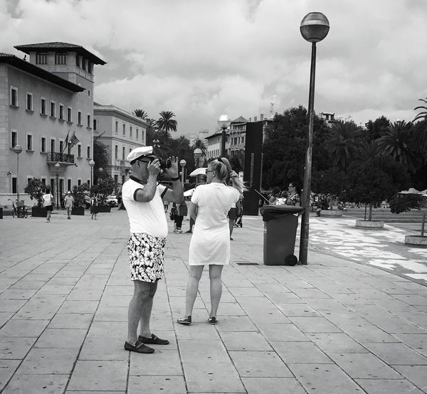 • something isn't quite right! • Streetphotography Street Street Photography Streetphoto_bw Streetphoto Streetphotography_bw Streetlife Bnw_society Bnwmood Bnwphotography Bnw_captures Bnw_life Bnw_collection Bnw Bnw_magazine Bnw_demand Bnw_planet Bnw_worldwide Bnw_photography Bnw_city Bnw_shot Bnw_globe Two People City Togetherness