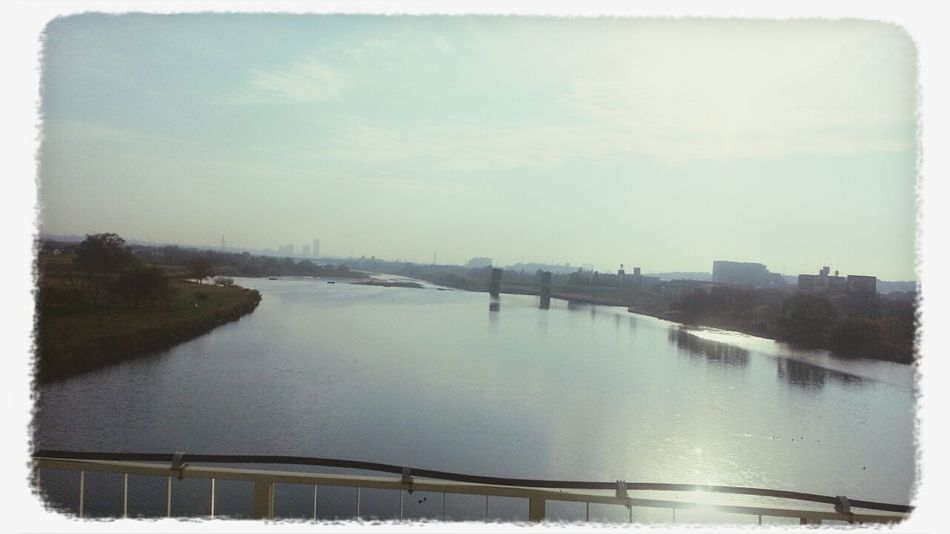 朝の橋からに景色♪ View