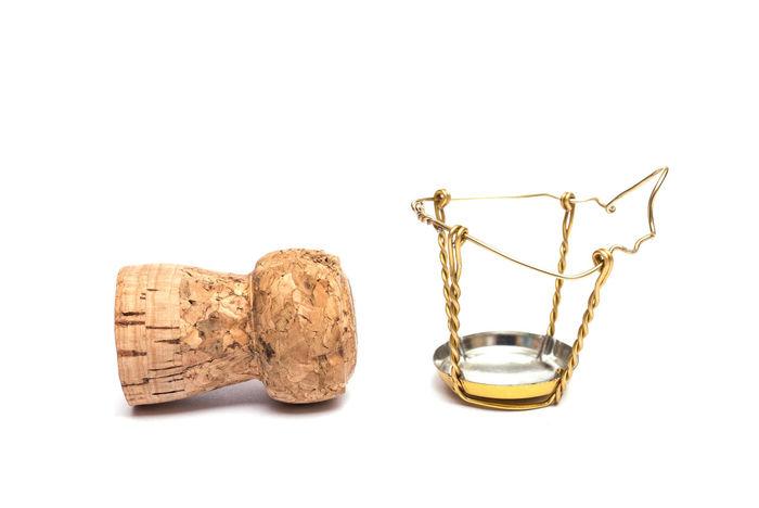Wine cork of a champagner Champagner Close-up Cor Cork - Stopper Metal Metallic No People Sparkling Wine Studio Shot White Background Wine Wine Cork