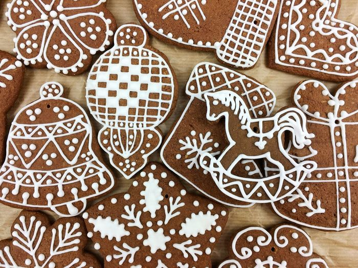 Full Frame Shot Of Gingerbread Cookies On Table