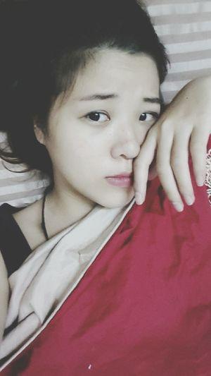 trời ơi, ngủ cả chiều mà giờ vẫn nằm ườn trên giườngg !!! Inthebed Sleepy Time
