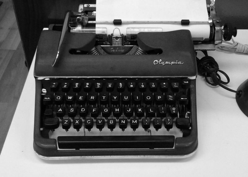 A shot of a typewriter at a store in San Francisco. Antique Checkthisout! Close-up Indoors  Object Old-fashioned Retro Styled Typewriter First Eyeem Photo