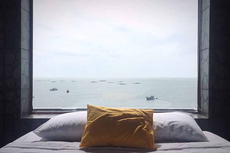 Sea Bed Bedroom Relaxation Sky Curtain Horizon Over Water Beach Indoors  No People Hotel Great View Travel Honeymoon Vietnam Couple