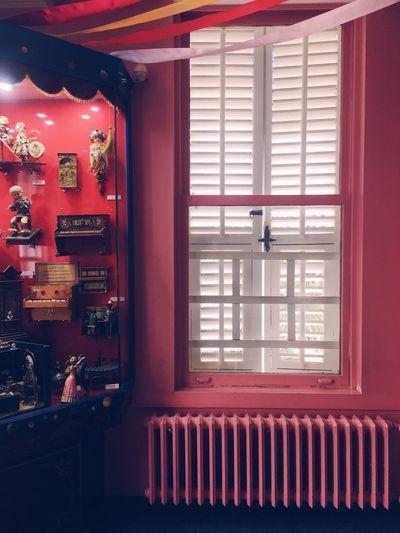 Window Red No